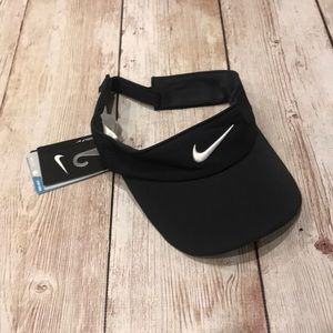 d2cef2296f31b Nike Accessories - Nike black visor golf hat cap beanie running hike